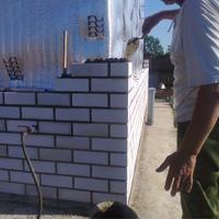 Кладка стен из кирпича силикатного