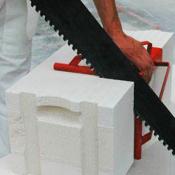 Разрезание газобетонной плиты