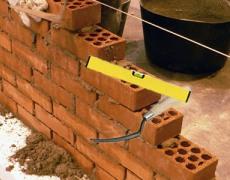 Укладка вибропрессованных строительных камней