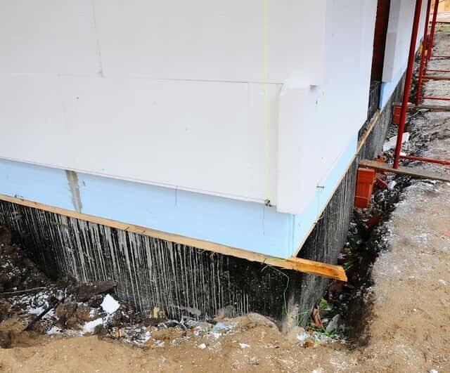 старый фундамент вертикальная гидроизоляция